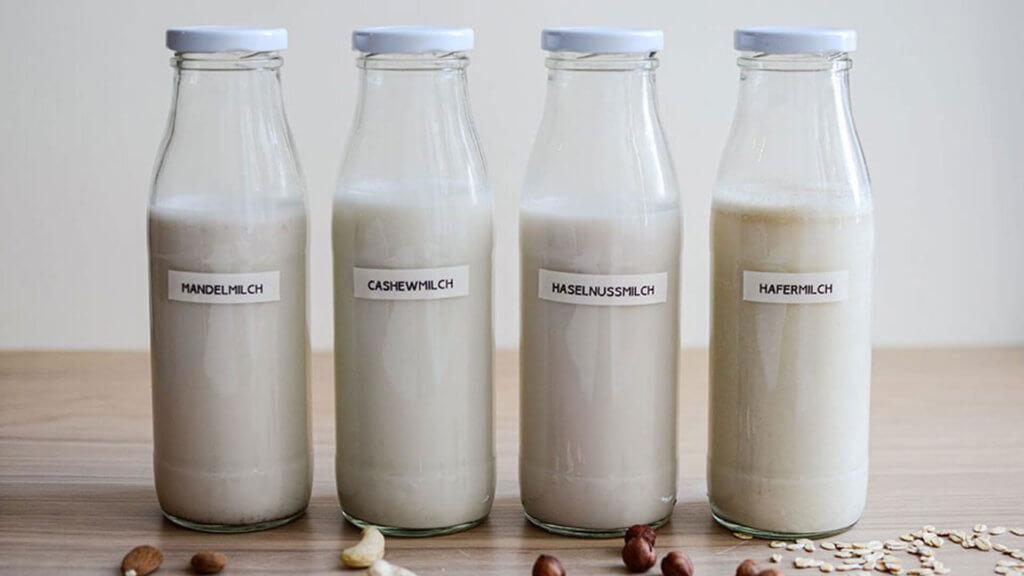 Haferflocken Frühstück Rezept - Hafermilch selber machen