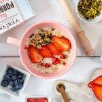 Veganes Porridge ohne Zuckerzusatz aus der Mikrowelle
