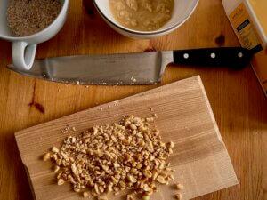 Rezept Porridge Peanut Butter Eggs gehackte Erdnüsse